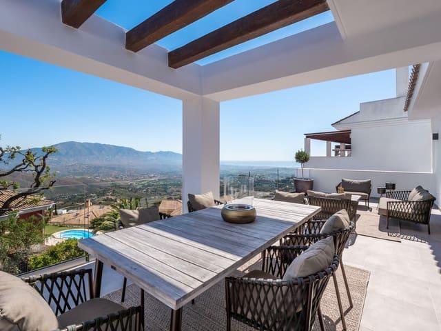 3 soveværelse Semi-Rækkehus til salg i La Mairena med swimmingpool garage - € 704.000 (Ref: 5118182)