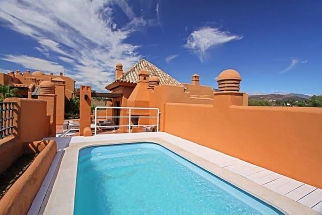 3 sypialnia Penthouse na sprzedaż w Puerto Banus z basenem garażem - 850 000 € (Ref: 5531219)