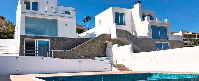 4 Zimmer Villa zu verkaufen in La Cala Hills mit Pool Garage - 615.000 € (Ref: 5535232)