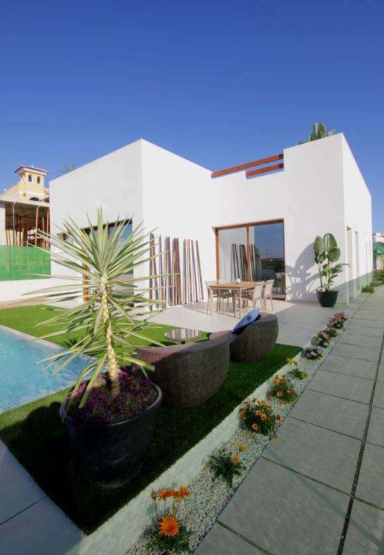 Chalet de 3 habitaciones en Benijófar en venta - 329.900 € (Ref: 4482244)