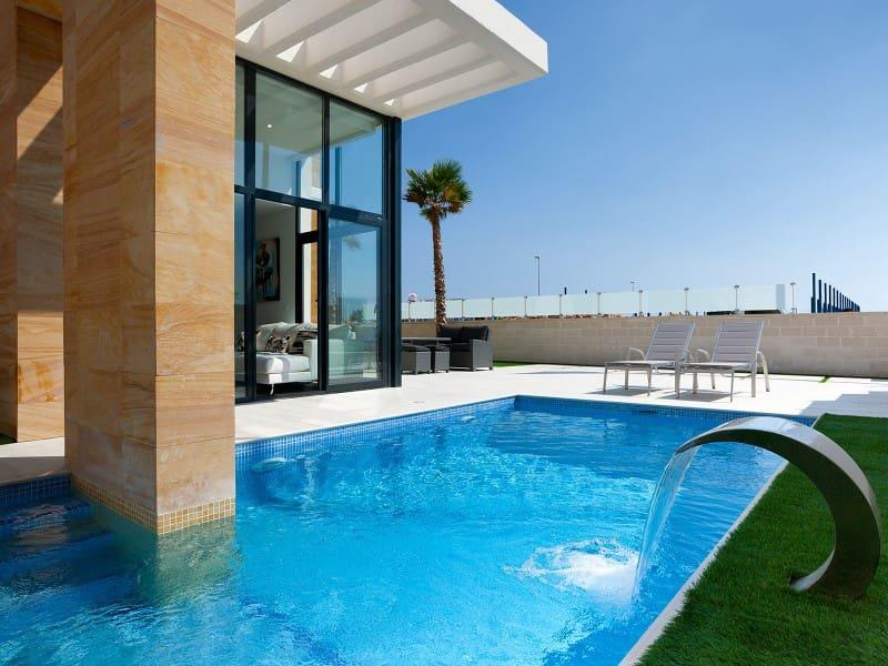 Chalet de 3 habitaciones en Orihuela en venta con piscina - 289.900 € (Ref: 4049941)