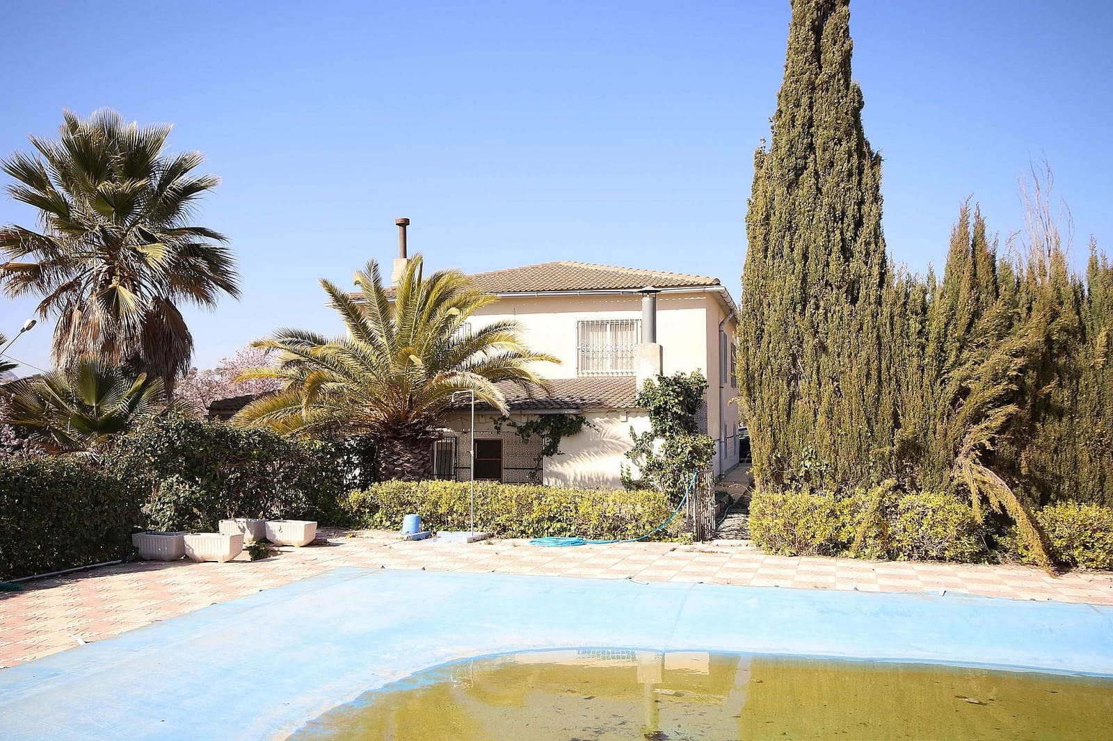 6 bedroom Finca/Country House for sale in Petrel / Petrer with garage - € 140,995 (Ref: 5393207)