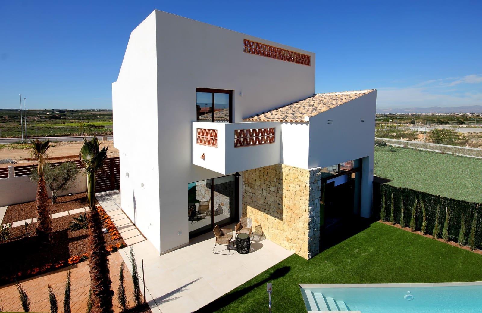 Chalet de 3 habitaciones en Benijófar en venta con piscina - 324.900 € (Ref: 4098347)