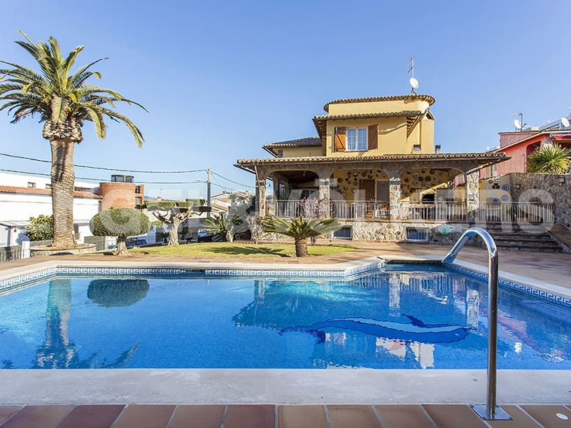 4 bedroom Villa for sale in Sant Pere de Ribes with pool garage - € 1,150,000 (Ref: 4703822)