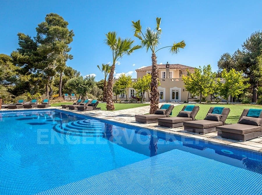 9 bedroom Villa for sale in Garraf with pool garage - € 2,950,000 (Ref: 4920834)