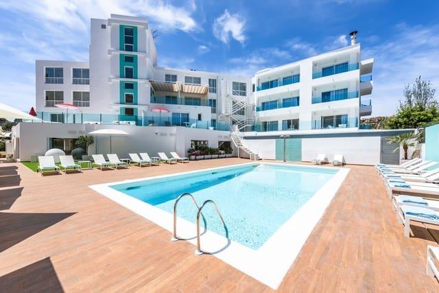 Hotel de 55 habitaciones en Santa Ponsa en venta - 7.300.000 € (Ref: 4053742)