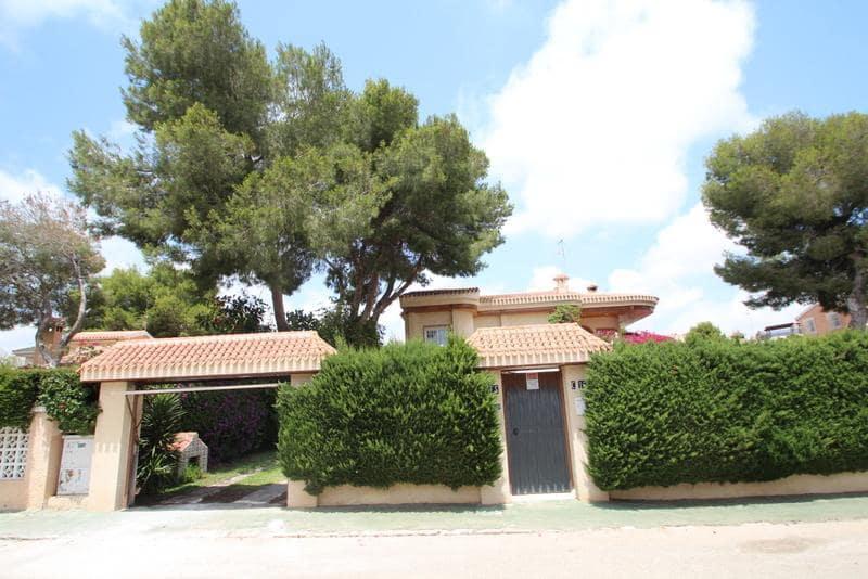 Chalet de 4 habitaciones en Orihuela en venta - 450.000 € (Ref: 4060369)