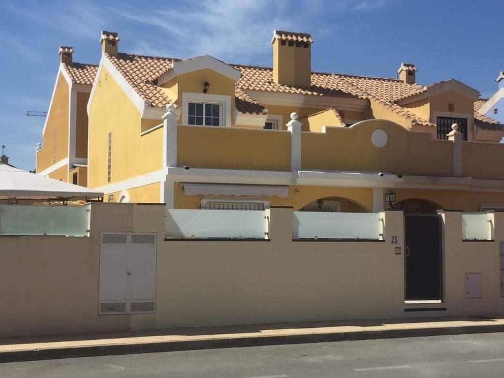 Chalet de 3 habitaciones en Orihuela en venta con piscina - 212.000 € (Ref: 4921909)