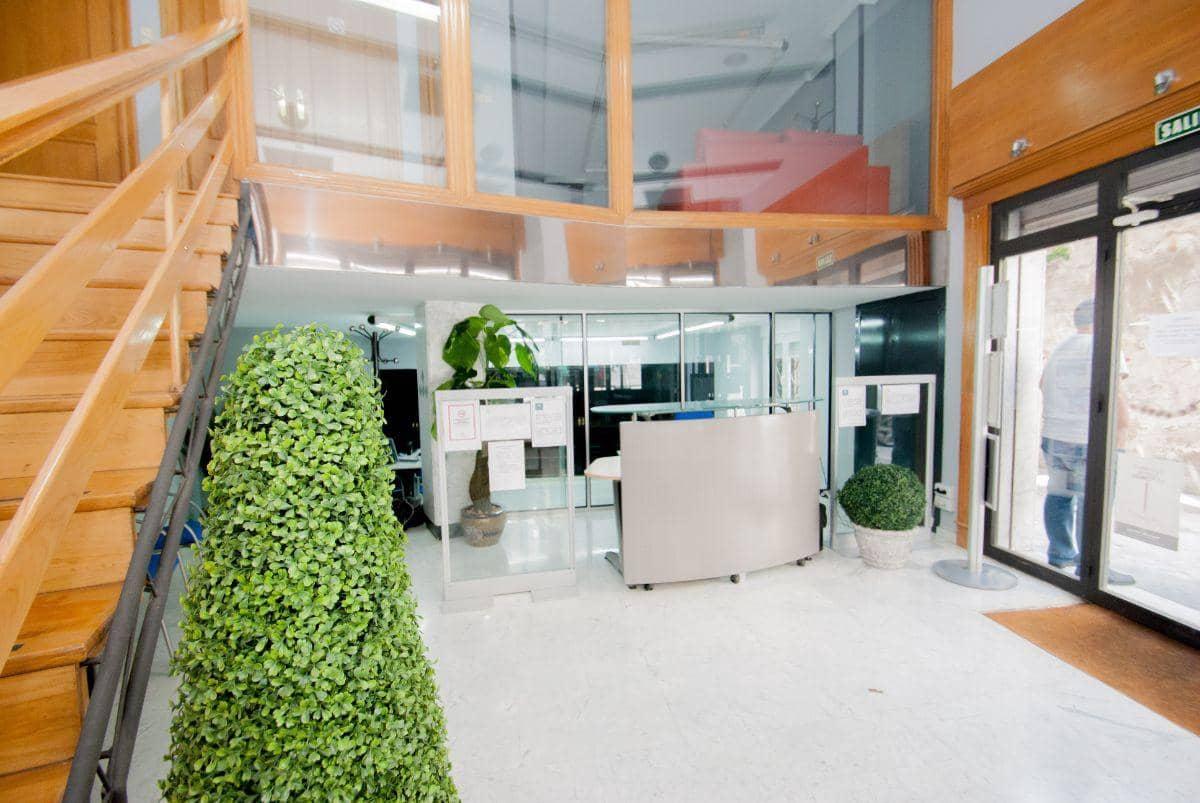 4 slaapkamer Commercieel te huur in Granada stad - € 1.500 (Ref: 4167625)
