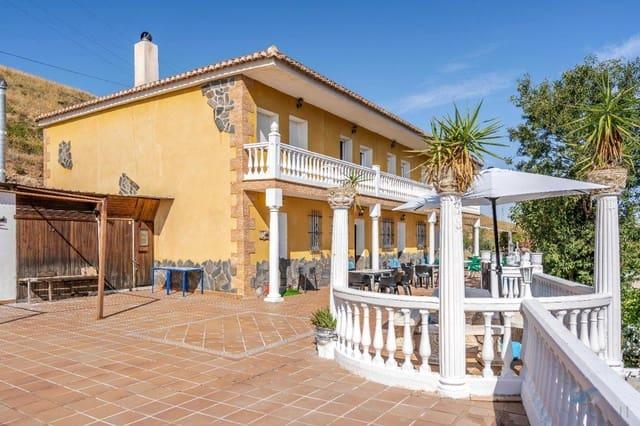 3 soveværelse Villa til leje i Padul med swimmingpool garage - € 750 (Ref: 6040580)