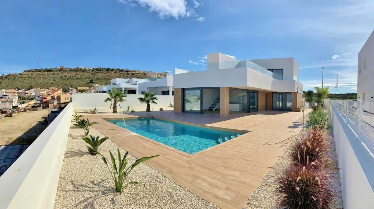 Chalet de 3 habitaciones en Benijófar en venta - 510.000 € (Ref: 4961207)