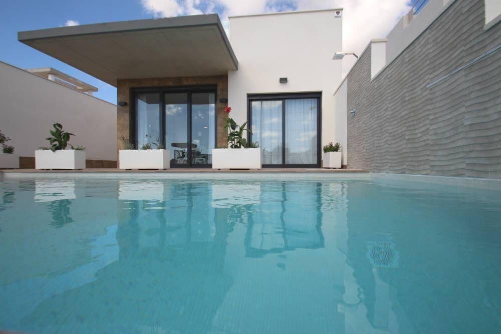 3 bedroom Villa for sale in San Miguel de Salinas - € 345,000 (Ref: 5259422)