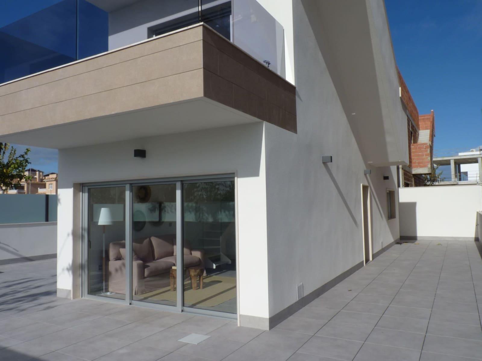 Chalet de 3 habitaciones en Pilar de la Horadada en venta con piscina - 281.000 € (Ref: 4947049)