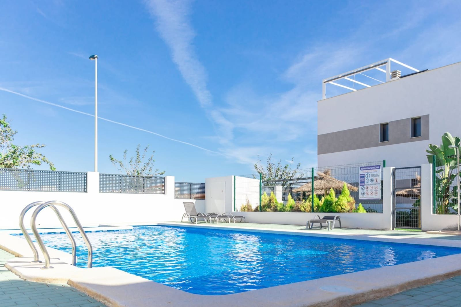 Casa de 2 habitaciones en Pilar de la Horadada en venta con piscina - 229.000 € (Ref: 5058519)