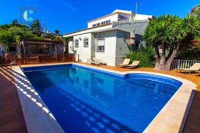 6 bedroom Villa for sale in Cala Flores with pool - € 650,000 (Ref: 5314553)