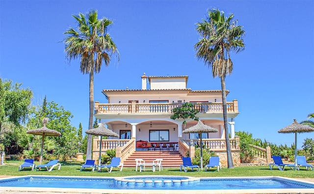 Chalet de 5 habitaciones en Manacor en venta con piscina - 980.000 € (Ref: 5307311)