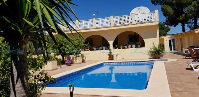 Chalet de 4 habitaciones en Albaida en venta con piscina garaje - 249.000 € (Ref: 4629715)
