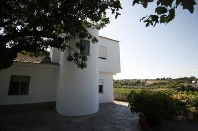 8 bedroom Villa for sale in Cheste with pool garage - € 180,000 (Ref: 5414187)