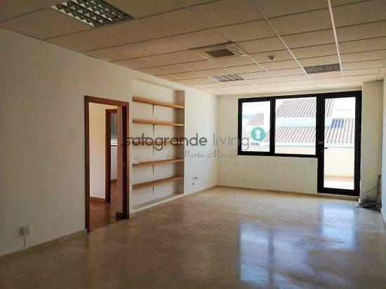 3 soverom Kontor til leie i Guadiaro - € 700 (Ref: 4125867)