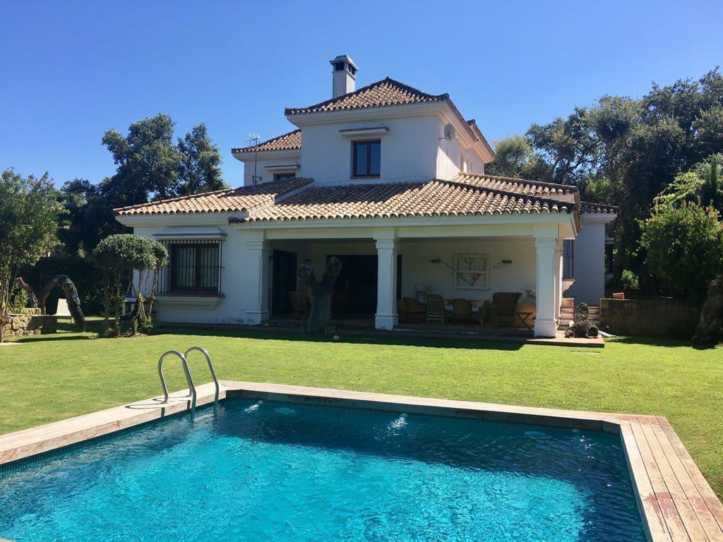 5 bedroom Villa for rent in Sotogrande - € 3,200 (Ref: 4995003)