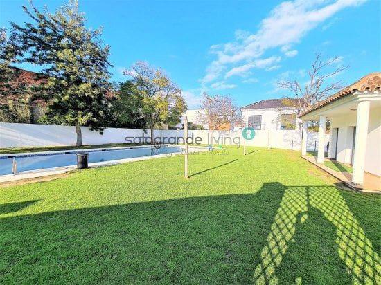3 chambre Villa/Maison Mitoyenne à vendre à Guadiaro - 175 000 € (Ref: 5492827)