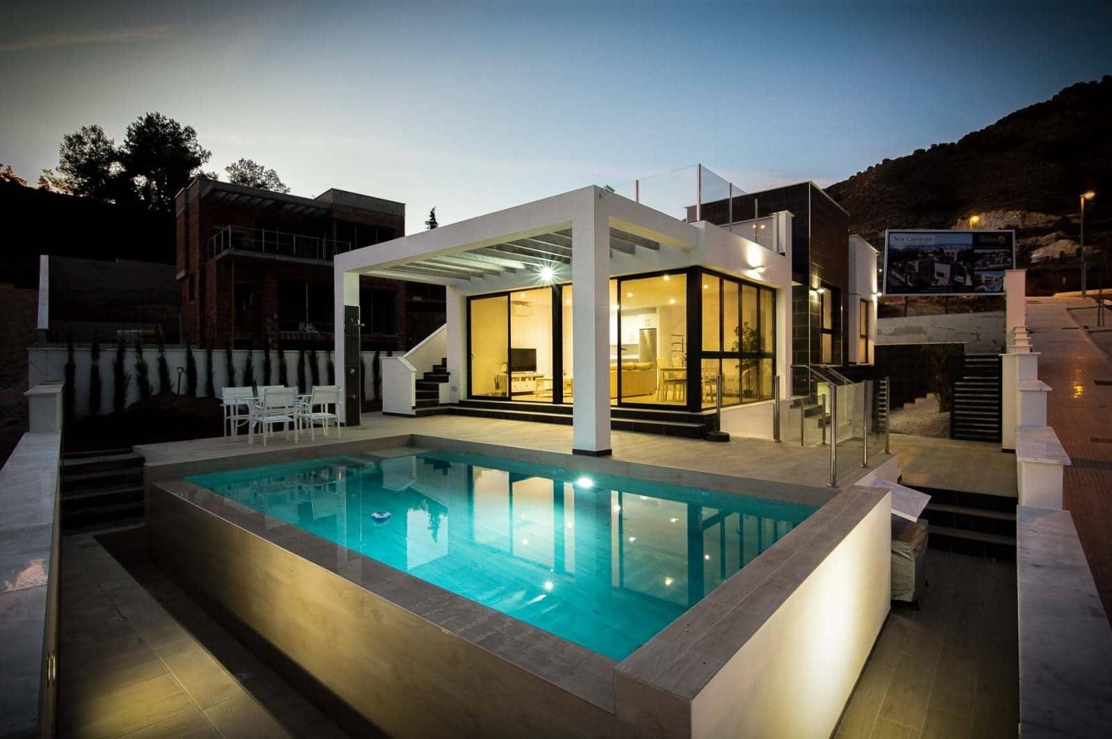 3 bedroom Villa for sale in Nerja with pool - € 490,000 (Ref: 5072492)