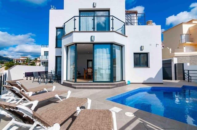 Chalet de 3 habitaciones en Torrox Park en alquiler vacacional con piscina garaje - 1.365 € (Ref: 5278413)