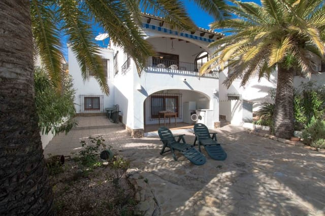 4 bedroom Bungalow for sale in Moraira with pool - € 245,000 (Ref: 5063955)