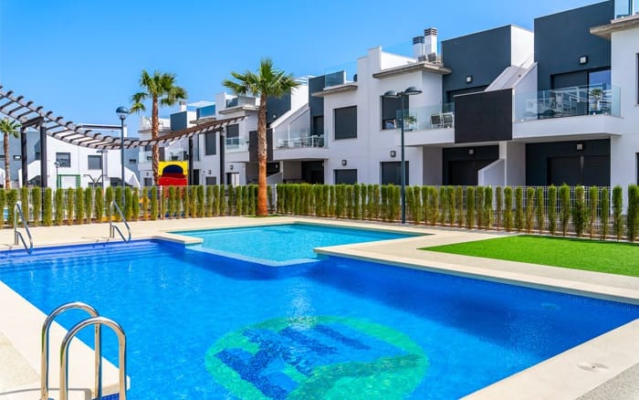 Bungalow de 1 habitación en Pilar de la Horadada en venta con piscina - 99.900 € (Ref: 5064180)
