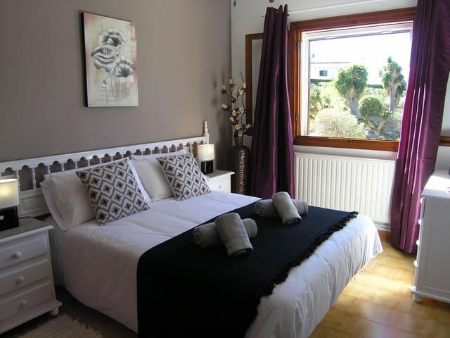 2 Zimmer Ferienapartment in Moraira mit Pool - 325 € (Ref: 4120507)