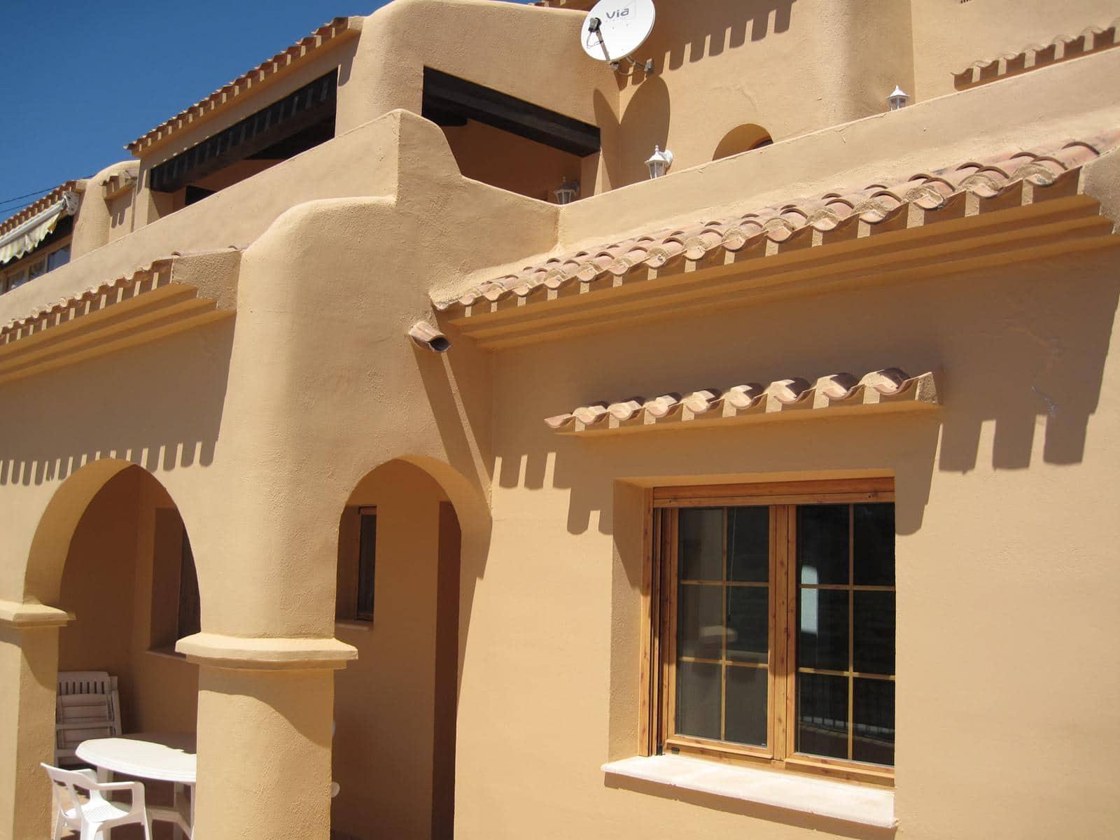 3 slaapkamer Halfvrijstaande villa voor vakantieverhuur in Moraira met zwembad - € 345 (Ref: 4120509)