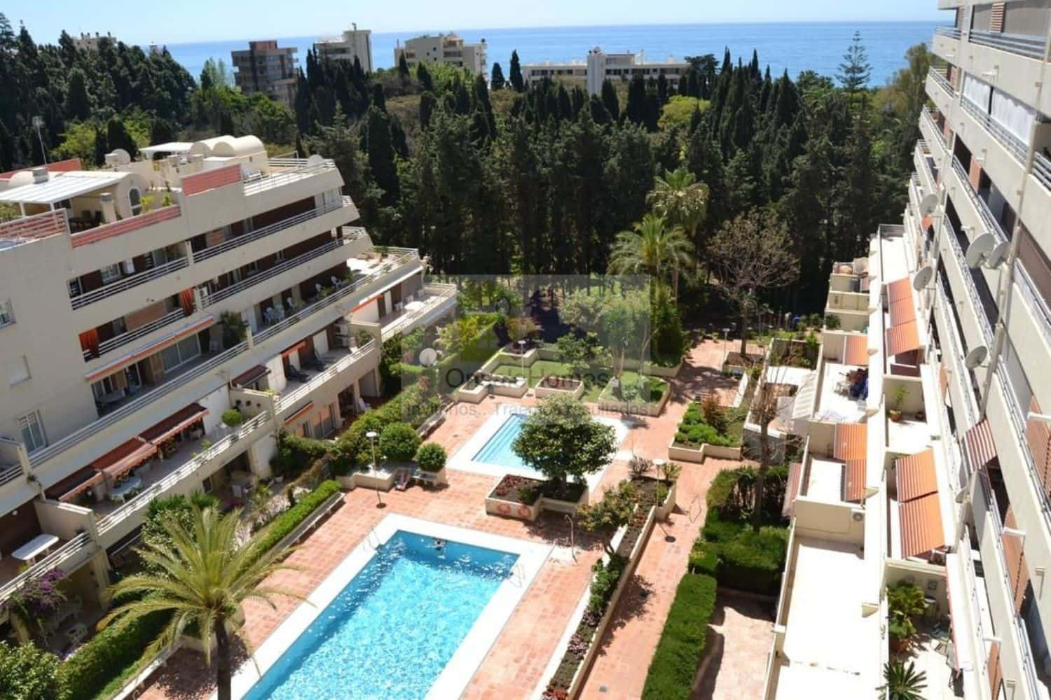 2 bedroom Apartment for sale in Marbella with pool - € 378,000 (Ref: 4586537)