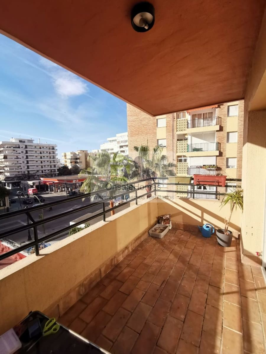 3 bedroom Apartment for sale in Marbella with garage - € 325,000 (Ref: 4640829)