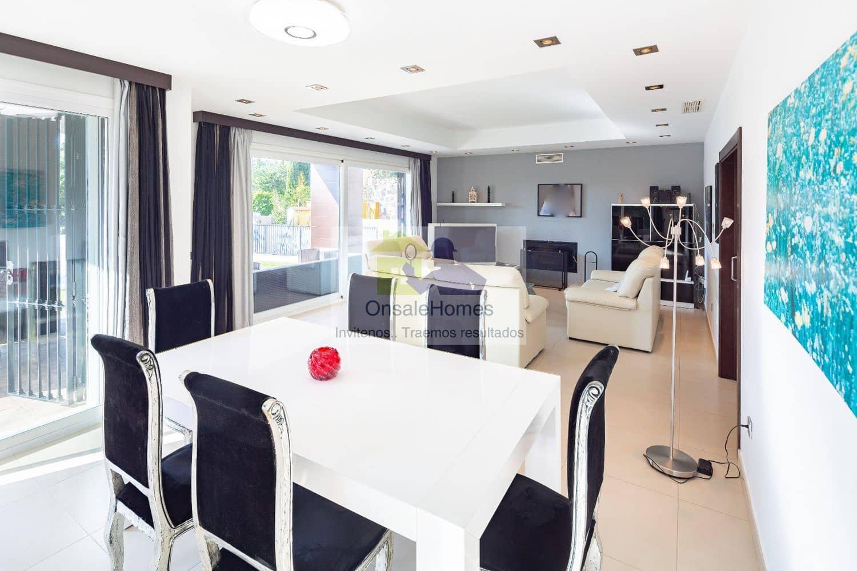 4 bedroom Villa for sale in Marbella with pool garage - € 1,199,000 (Ref: 5043657)