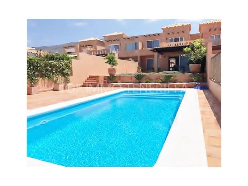 3 chambre Villa/Maison Mitoyenne à vendre à Costa Adeje avec piscine garage - 740 000 € (Ref: 5416109)