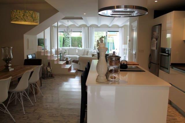 4 chambre Villa/Maison Semi-Mitoyenne à vendre à Arenal avec piscine - 460 000 € (Ref: 4683318)