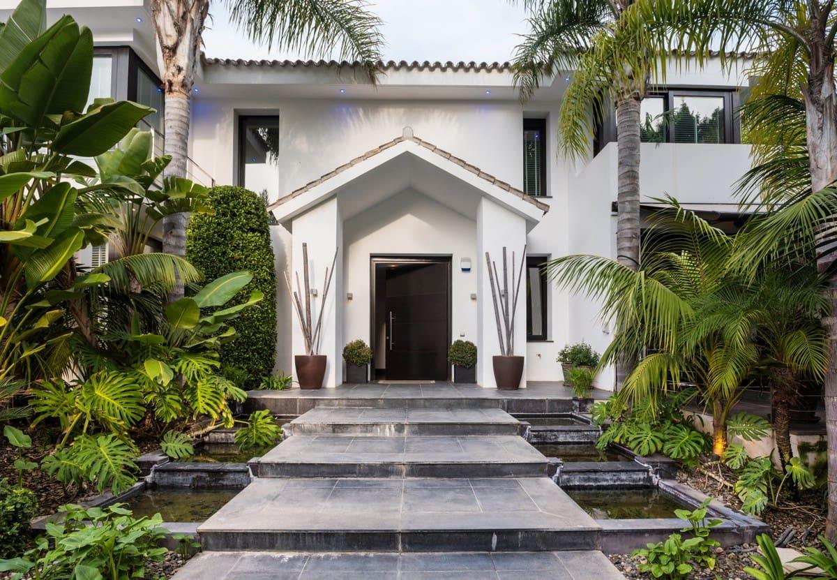6 bedroom Villa for sale in Marbella - € 2,950,000 (Ref: 4788924)