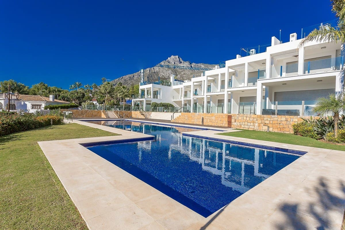 3 bedroom Townhouse for sale in Marbella - € 1,490,000 (Ref: 4854886)