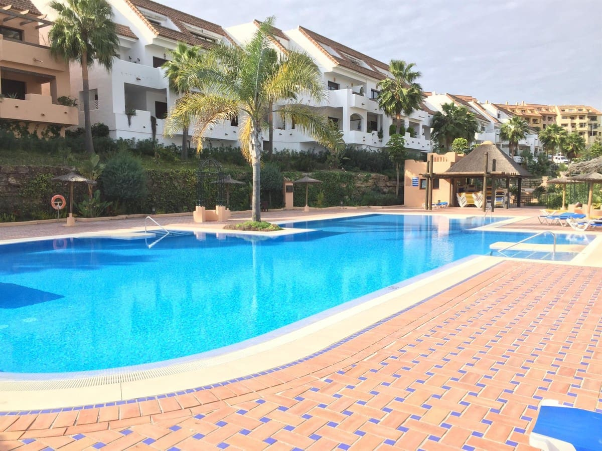 2 bedroom Apartment for sale in Manilva - € 169,000 (Ref: 5041310)