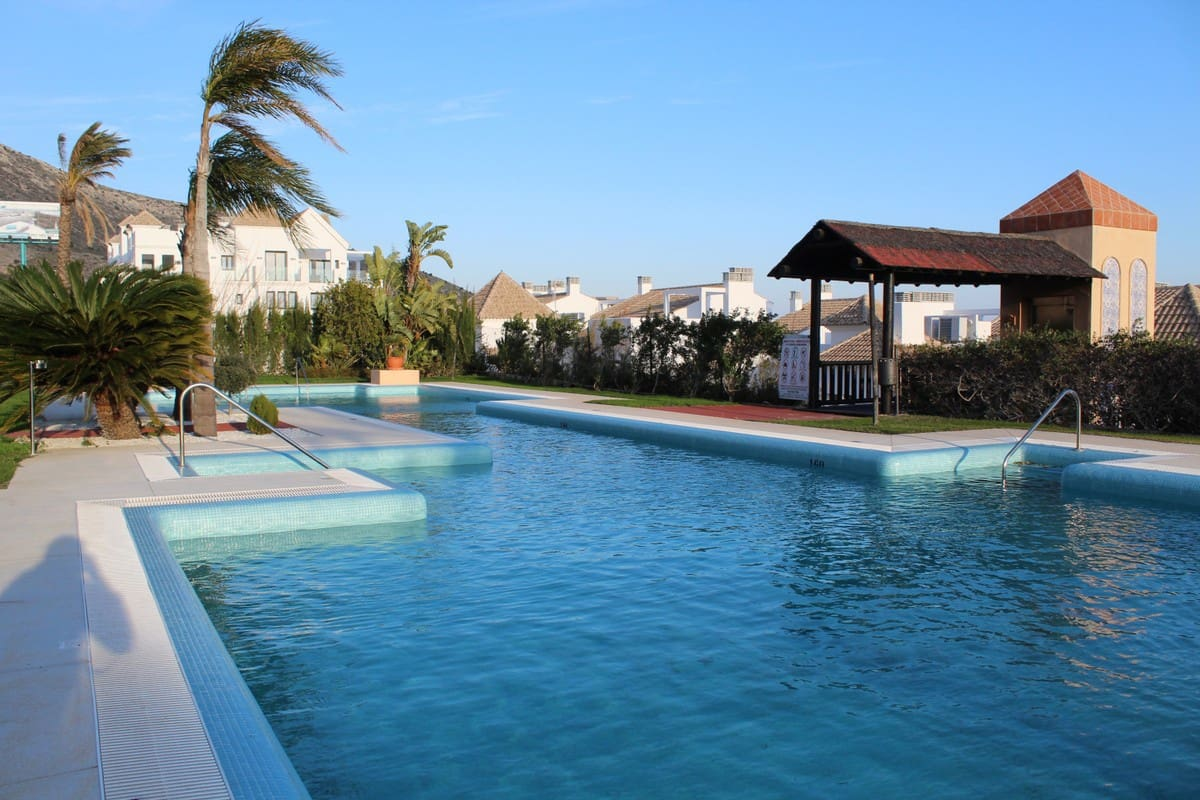 2 bedroom Apartment for sale in Benalmadena - € 220,000 (Ref: 5056137)