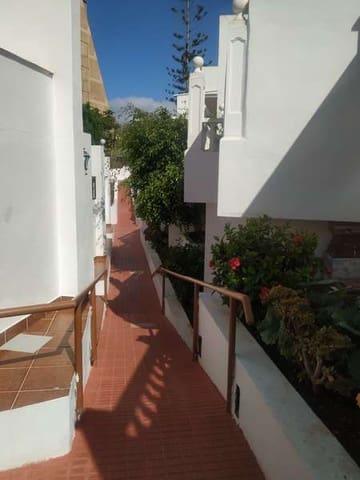 2 soveværelse Bungalow til leje i Playa de las Americas med swimmingpool - € 1.090 (Ref: 5667556)