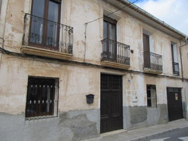 5 sovrum Hus till salu i Pinoso med garage - 134 950 € (Ref: 5453301)