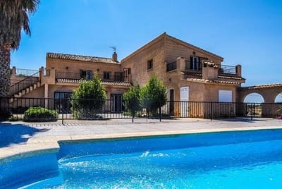 10 bedroom Villa for sale in Pinoso with pool garage - € 325,000 (Ref: 5468183)