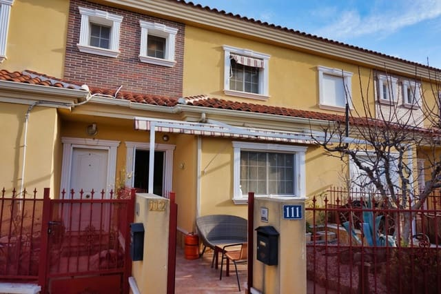 4 bedroom Townhouse for sale in Pinoso with pool garage - € 84,995 (Ref: 6106505)