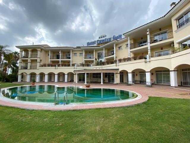 24 soverom Hotell til salgs i Mijas med svømmebasseng garasje - € 3 150 000 (Ref: 5601308)