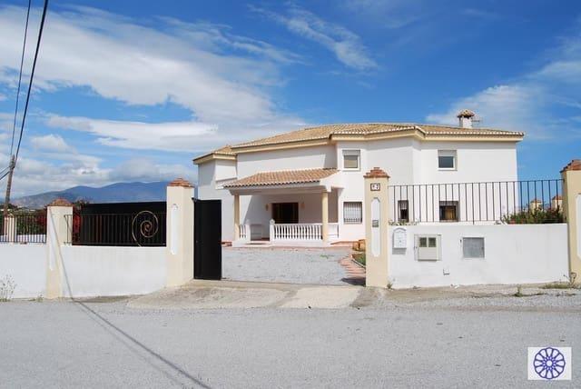 9 quarto Moradia para venda em Salobrena com piscina - 385 000 € (Ref: 5604923)