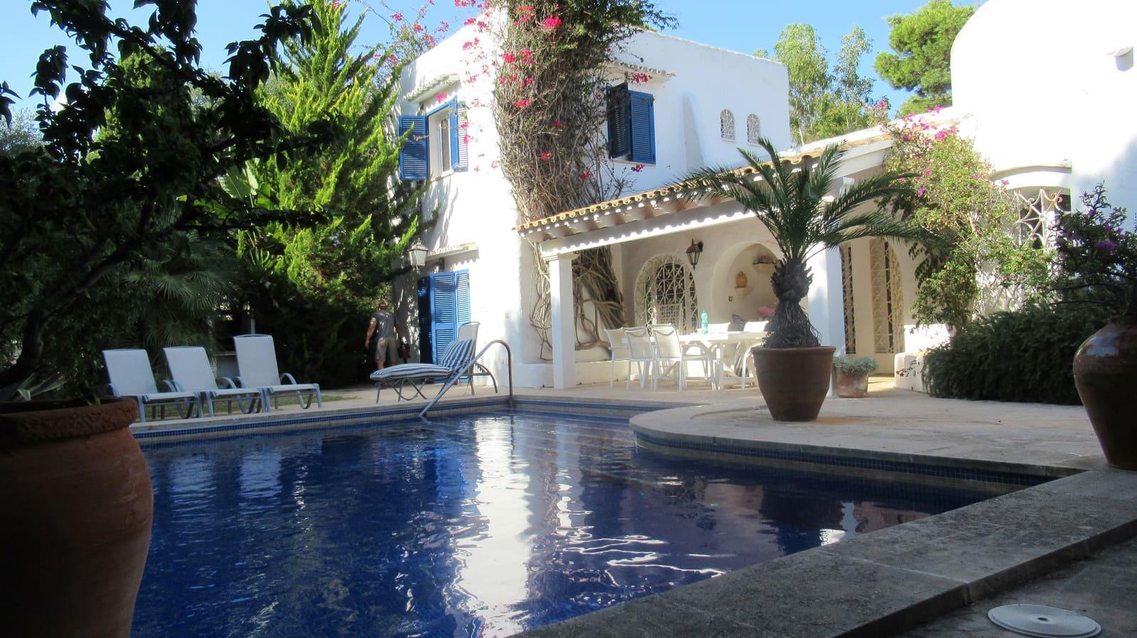 Apartamento de 4 habitaciones en Cala Esmeralda en venta con piscina - 795.000 € (Ref: 4786292)