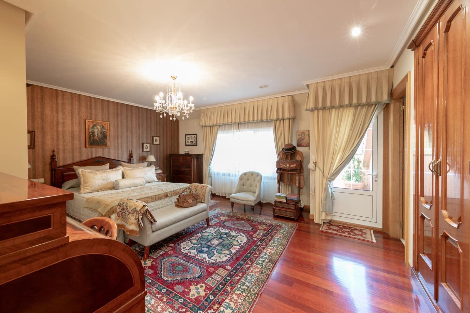 5 sovrum Semi-fristående Villa till salu i A Coruna stad med garage - 730 000 € (Ref: 4280739)
