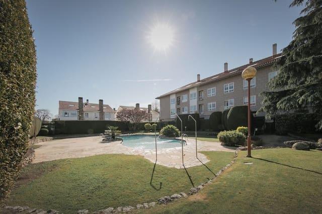5 sypialnia Dom na sprzedaż w Oleiros z basenem garażem - 245 000 € (Ref: 4529332)
