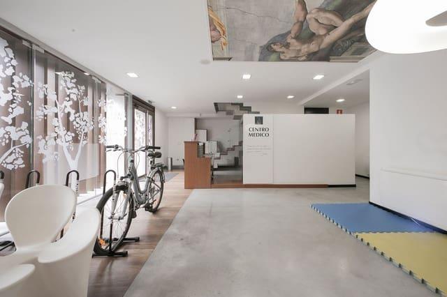 Local Comercial de 6 habitaciones en A Coruña ciudad en venta - 320.000 € (Ref: 4902535)